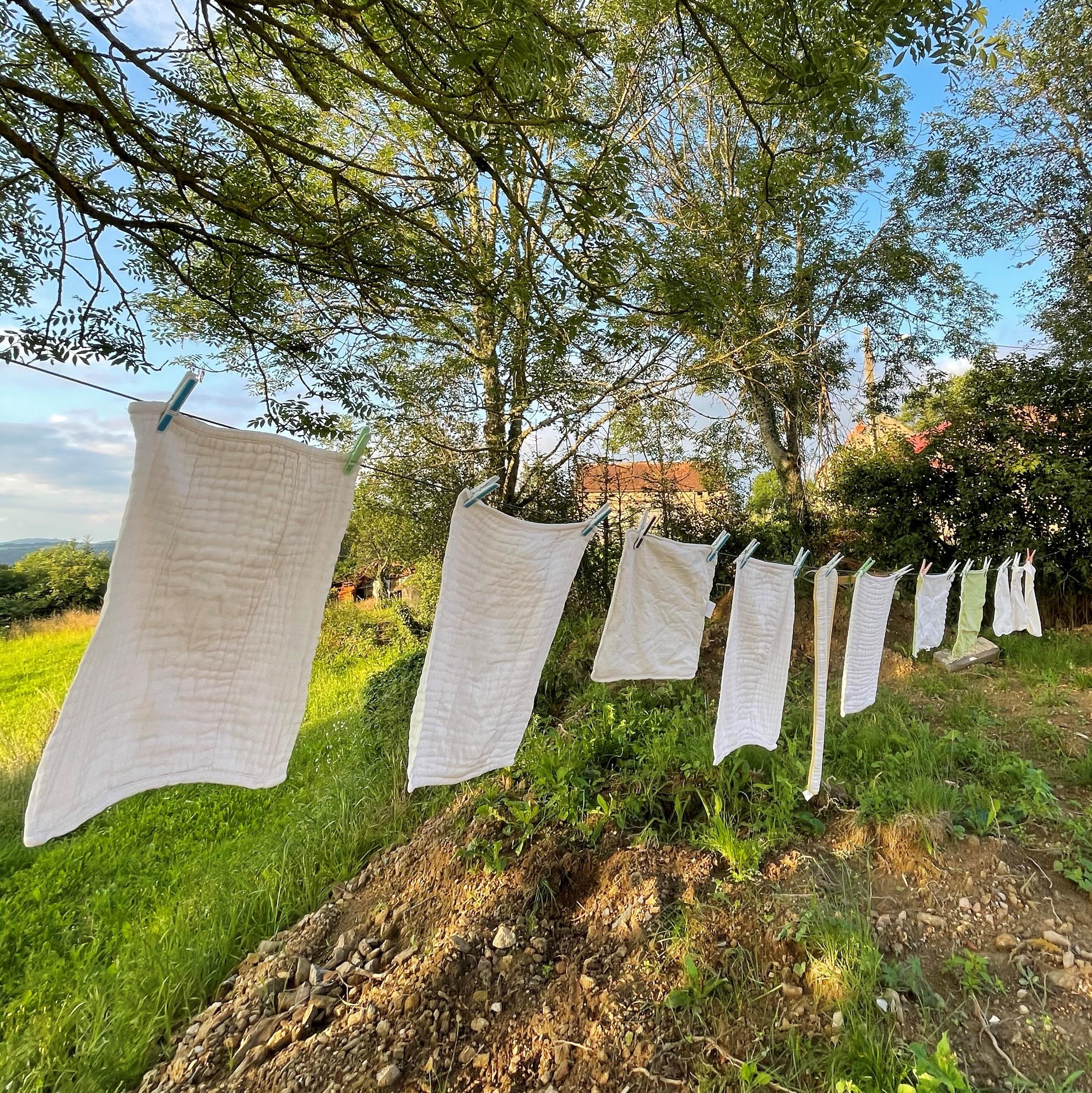 Comment (et pourquoi) décrasser ses couches lavables ?